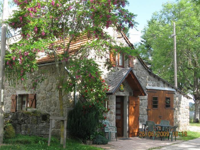 Location vacances Rieutort-de-Randon -  Maison - 5 personnes - Barbecue - Photo N° 1