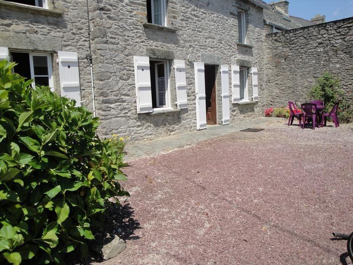 Location vacances Querqueville -  Maison - 5 personnes - Barbecue - Photo N° 1