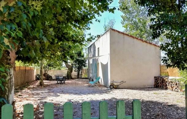 Location vacances Bédarrides -  Maison - 4 personnes - Barbecue - Photo N° 1