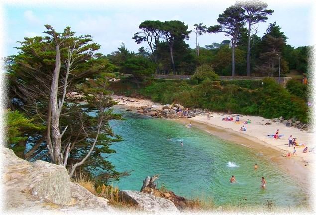 la  plage de sable fin du rocher du voleur