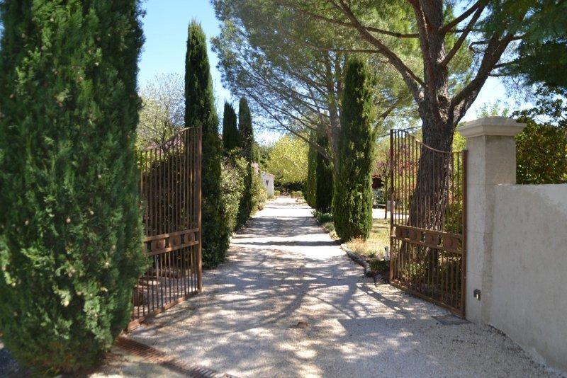 Luberon - Beau Mas avec piscine privée et Wifi gratuite