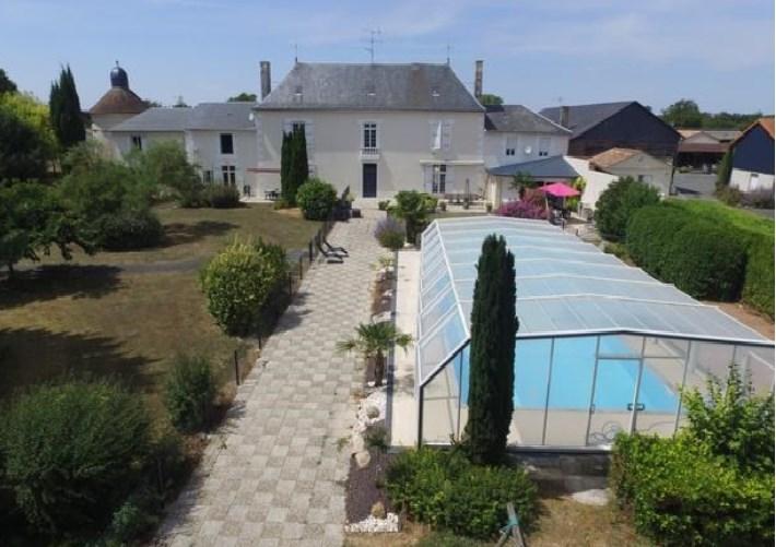 Location vacances Vendeuvre-du-Poitou -  Chambre d'hôtes - 15 personnes - Barbecue - Photo N° 1