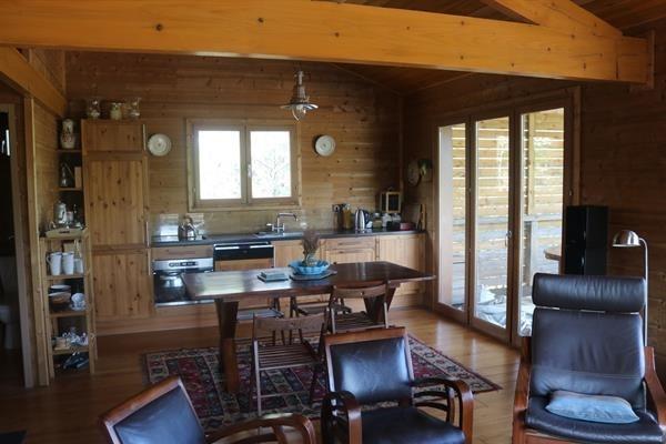 Maison en bois dans un parc arboré, proche du lac de Sanguinet