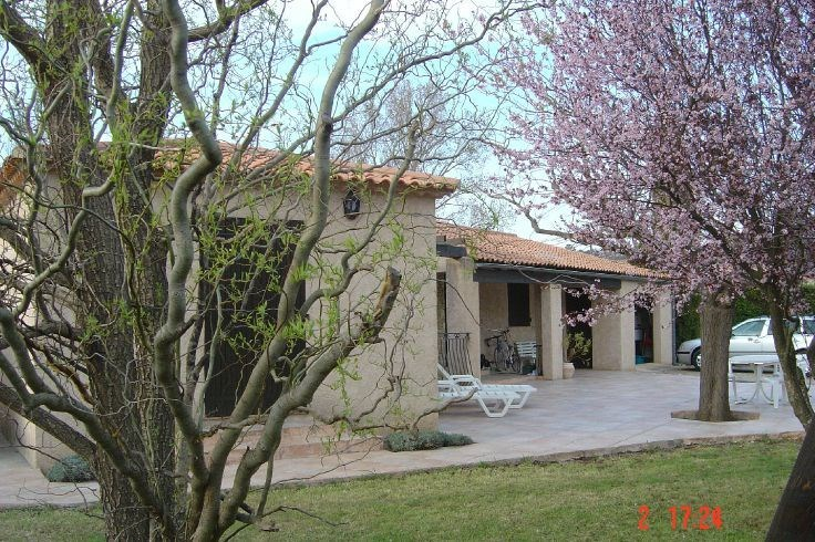 Location vacances Régusse -  Maison - 8 personnes - Terrasse - Photo N° 1