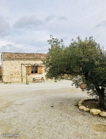 Jolie Cabanon Provençal pour 4 personnes.