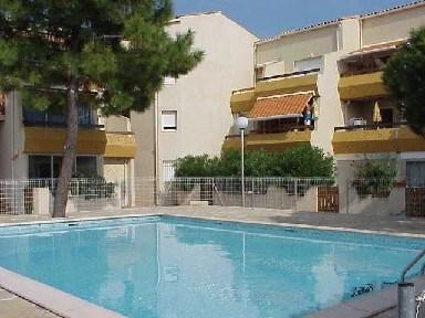 Bel appartement avec WIFI gratuit dans résidence avec piscine