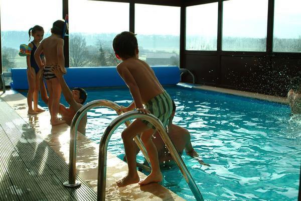 Maison pour 14 pers. avec piscine, Hamois