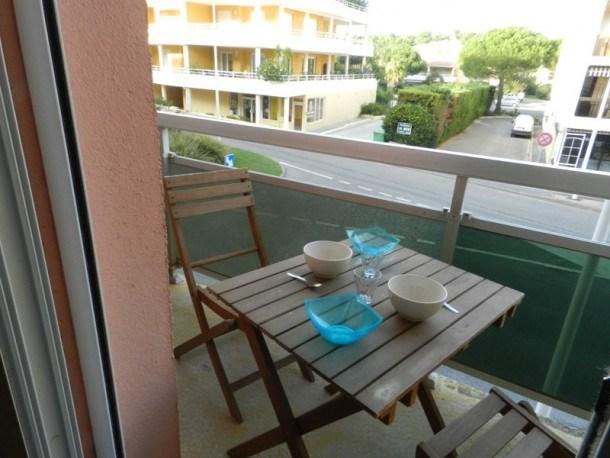 Location vacances Bormes-les-Mimosas -  Appartement - 3 personnes - Lave-linge - Photo N° 1