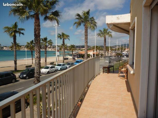 Proche Sanary-sur-mer, vue mer, face à la plage, grand T2 65m² , parking