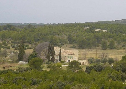 lodging in scrubland in Nimes - Marguerittes