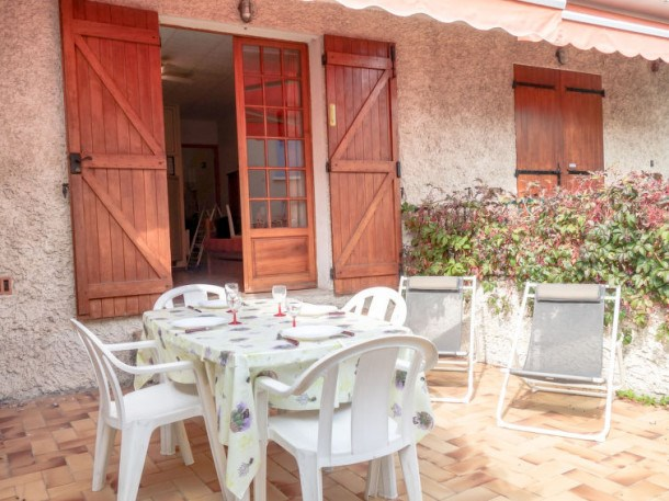 Location vacances Saint-Cyr-sur-Mer -  Appartement - 2 personnes - Télévision - Photo N° 1