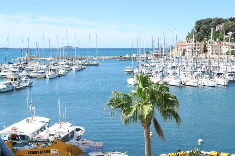Holiday rentals Sanary-sur-Mer - Apartment - 4 persons - Garden furniture - Photo N° 1
