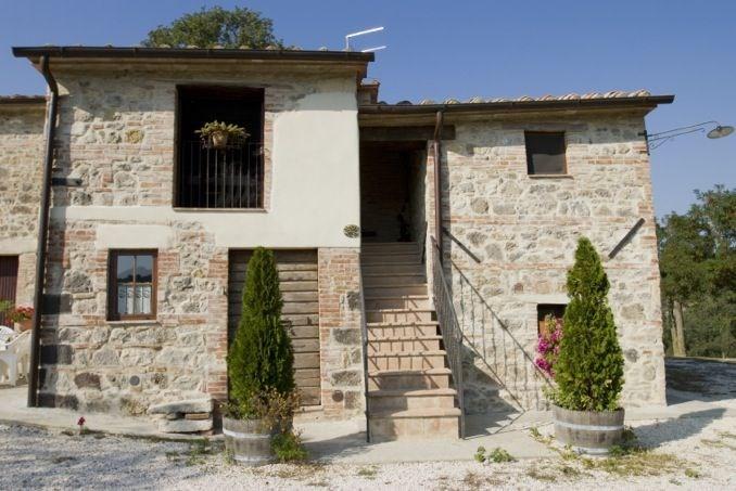 La Sorgente est une fabuleuse maison de vacances dans les collines de Val d'Orcia et proche des hauteurs de Monte Cet...