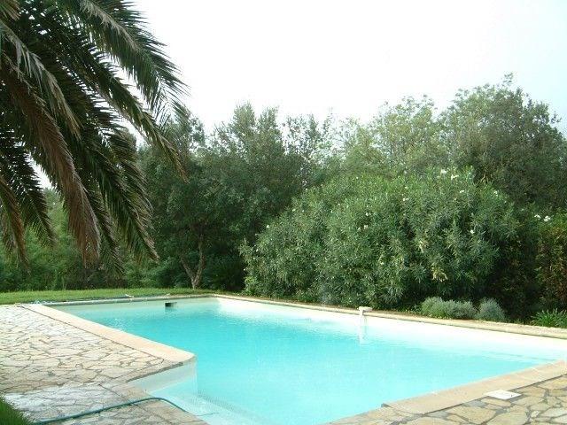 Mouramour est une belle maison de vacances, située dans le ravissant coin de Beauvallon entre Ste Maxime et St Tropez...