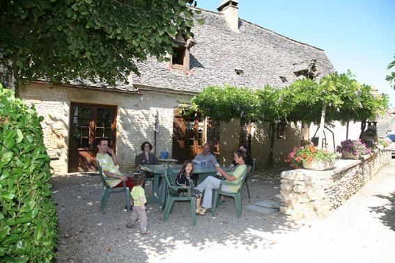 Location vacances Saint-Geniès -  Maison - 14 personnes - Barbecue - Photo N° 1