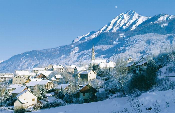 vue côté sud - station de ski - St Léger les Mélèz