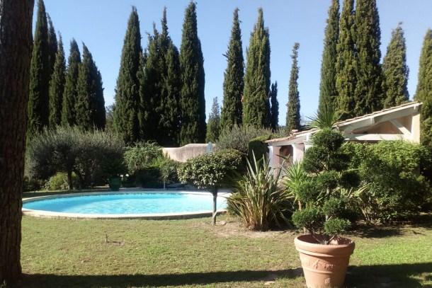 Location vacances Nîmes -  Maison - 4 personnes - Télévision - Photo N° 1