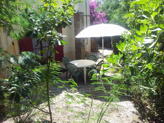 Location vacances Rayol-Canadel-sur-Mer -  Appartement - 4 personnes - Barbecue - Photo N° 1