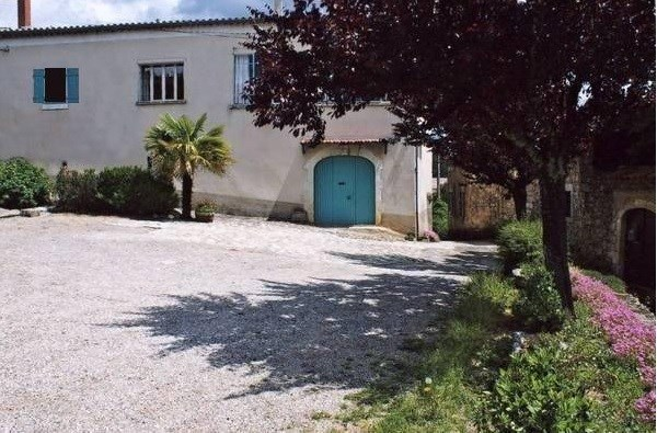 Ancienne ferme rénovée au cœur des Ardèche Méridionale