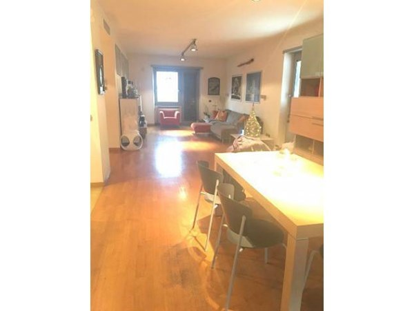 Vente Appartement 6 pièces 150m² Roma
