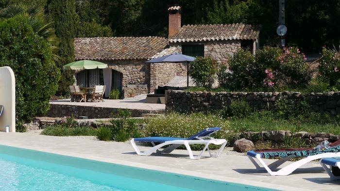 Holiday rentals Bagnols-en-Forêt - House - 8 persons - BBQ - Photo N° 1