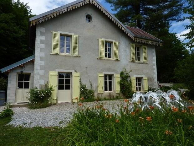 Très jolie Maison de caractère à deux pas d'Ornans dans la  Vallée de la Loue et vaste parc - Scey-Maisières