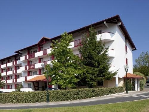 Location vacances Saint-Jean-de-Luz -  Appartement - 6 personnes - Table de ping-pong - Photo N° 1