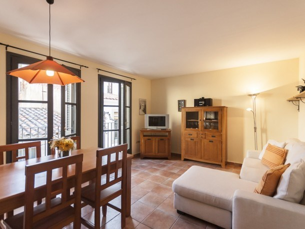 NICE APARTMENT in the CENTER of TOSSA