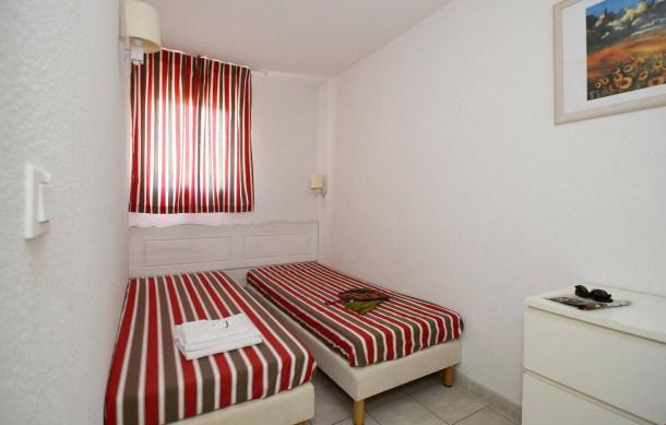 Location vacances Salavas -  Appartement - 6 personnes - Congélateur - Photo N° 1