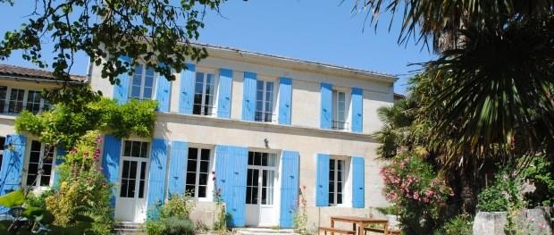 Location vacances Chenac-Saint-Seurin-d'Uzet -  Maison - 20 personnes - Barbecue - Photo N° 1