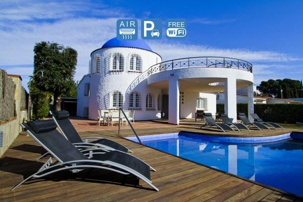 VILLA SANTORINI, Cambrils. Private Pool and free WiFI