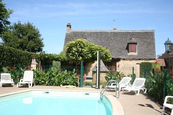 Location vacances Saint-Geniès -  Maison - 6 personnes - Barbecue - Photo N° 1