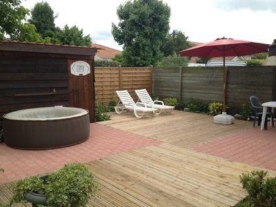 terrasse en bois, salon de jardin