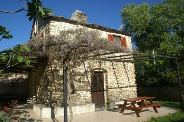 Location vacances Santa-Lucia-di-Moriani -  Maison - 6 personnes - Barbecue - Photo N° 1