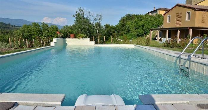 piscina et la maison