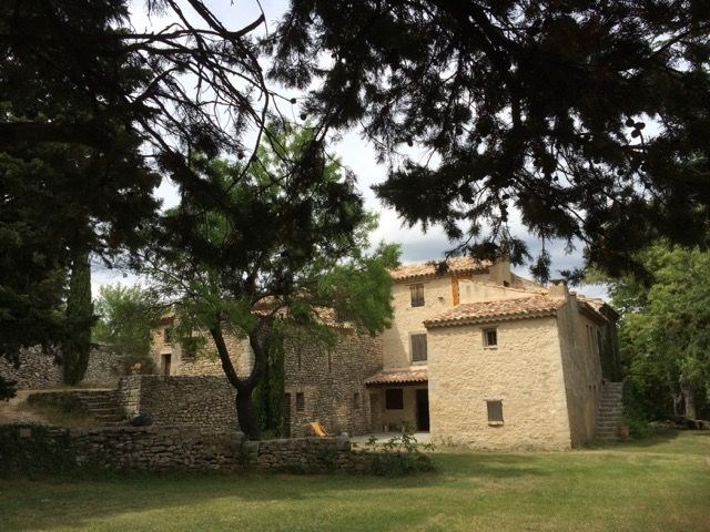 La Sagnuinette est située à Buoux dans le parc régional du Lubéron (Vaucluse : Provence-Alpes-Côte d'Azur). Il s'agit...