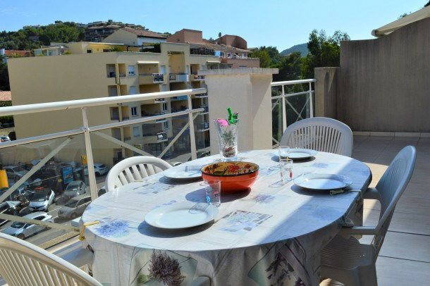 APPARTEMENT 2 PIECES 4 COUCHAGES  CAVALAIRE SUR MER