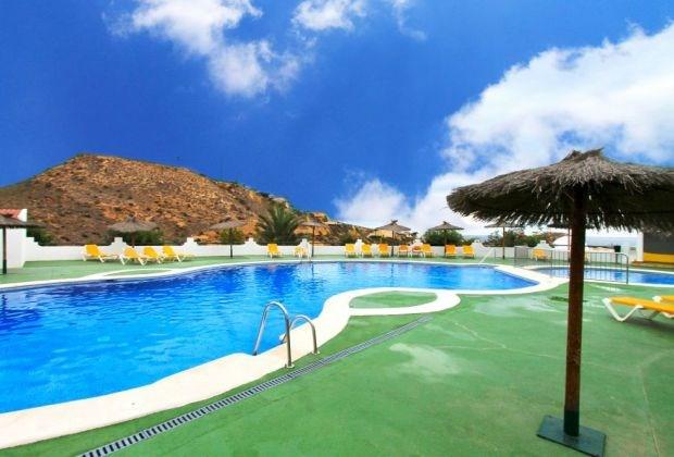 El Mirador 08 est un bel appartement (rez-de-chaussée) qui se situe dans un magnifique domaine de vacances...