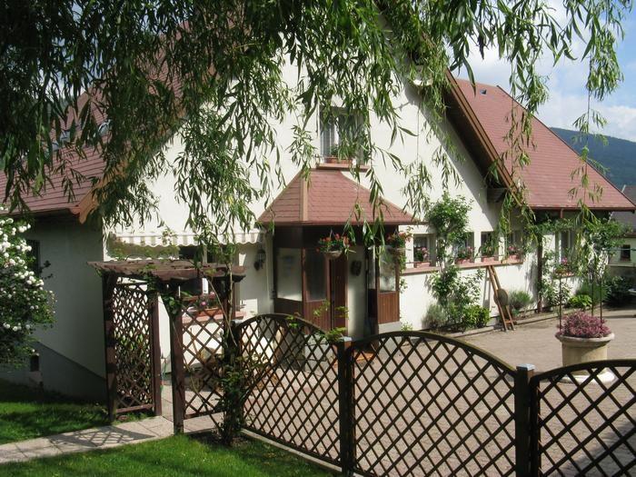Location vacances Metzeral -  Appartement - 4 personnes - Salon de jardin - Photo N° 1