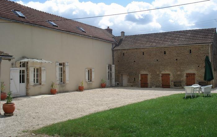 Location vacances Collonges-lès-Bévy -  Maison - 6 personnes - Barbecue - Photo N° 1