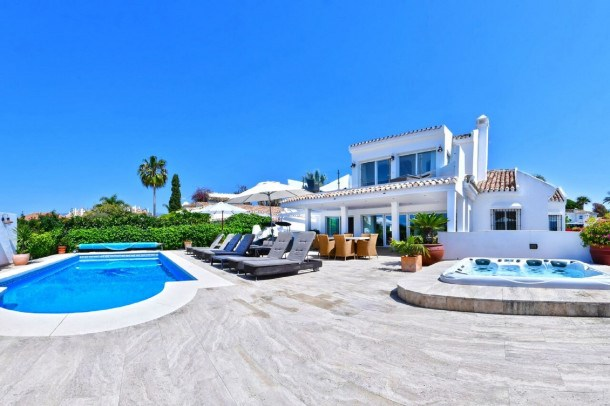 Location vacances Marbella -  Maison - 14 personnes - Barbecue - Photo N° 1