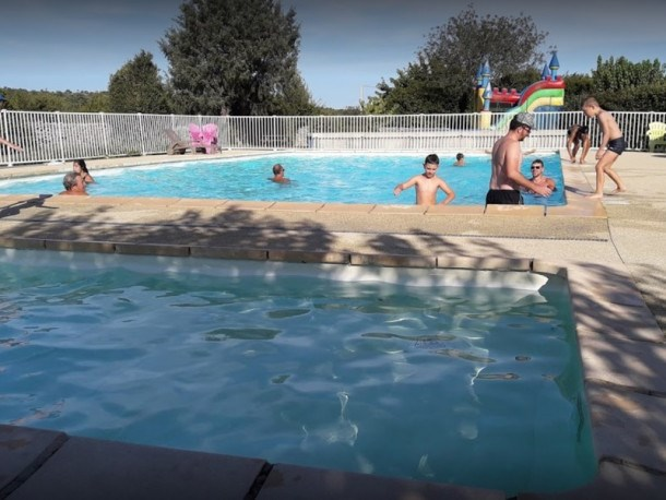 Camping Beaume Giraud - Mobil Home - 5 personnes - 2 chambres (MAX 4 adultes + 1 enfants)