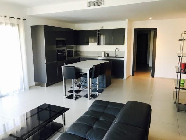 Appartement moderne, Marina d'Oru