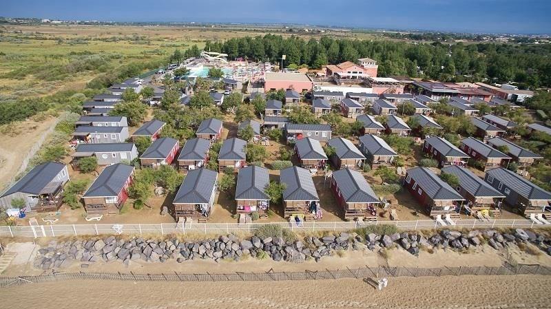 Les Méditerranées - Camping Beach Garden, 370 emplacements, 216 locatifs