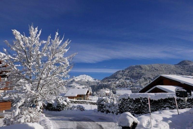 Résidence de 7 appartements, située à 500 mètres du centre du village, au calme, à 4 kms de La Clusaz et du Grand-Bor...