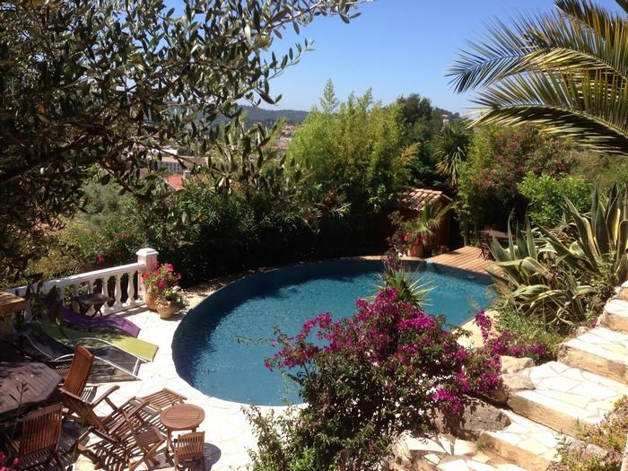 Location vacances Ollioules -  Appartement - 2 personnes - Barbecue - Photo N° 1
