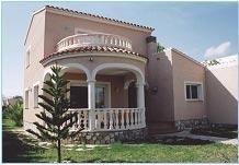 20% de réduction / semaine. Confortable villa indépendant à étage profitant de sa piscine privée.
