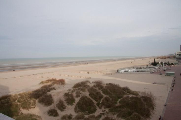 appartement ensoleillé vue formidable sur plage mer et dune