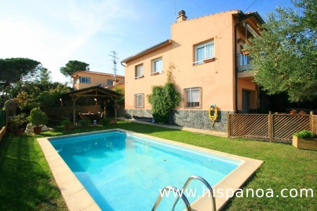 Location vacances Blanes -  Maison - 8 personnes - Barbecue - Photo N° 1