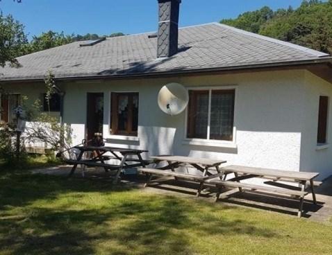Location vacances Chambon-sur-Lac -  Maison - 15 personnes - Barbecue - Photo N° 1